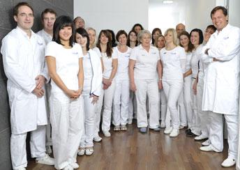 El equipo de la Gelenk Klinik: dedicados al cuidado de los pacientes de todo el mundo.